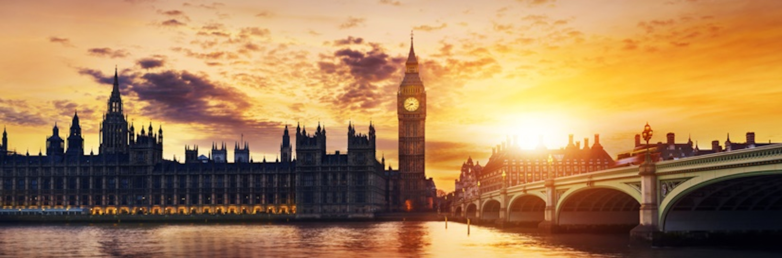 Photo of Big Ben and Houses of parliament at dusk, London, UK